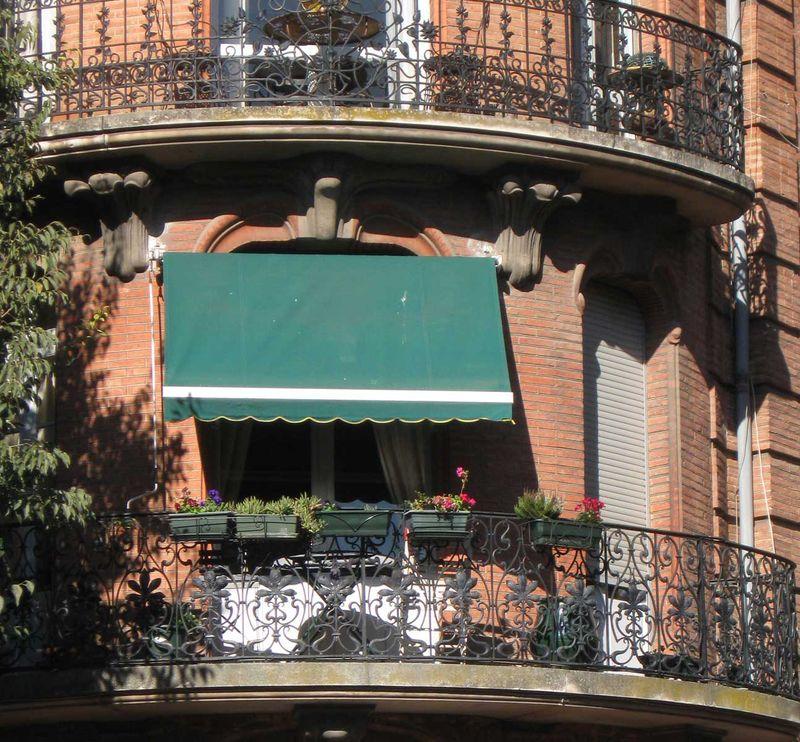 ToulouseBalcony2